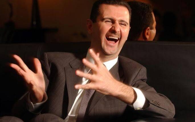 أول رئيس خليجي يعود لحضن بشار الأسد ويعتذر عن مواقفه السابقة منه