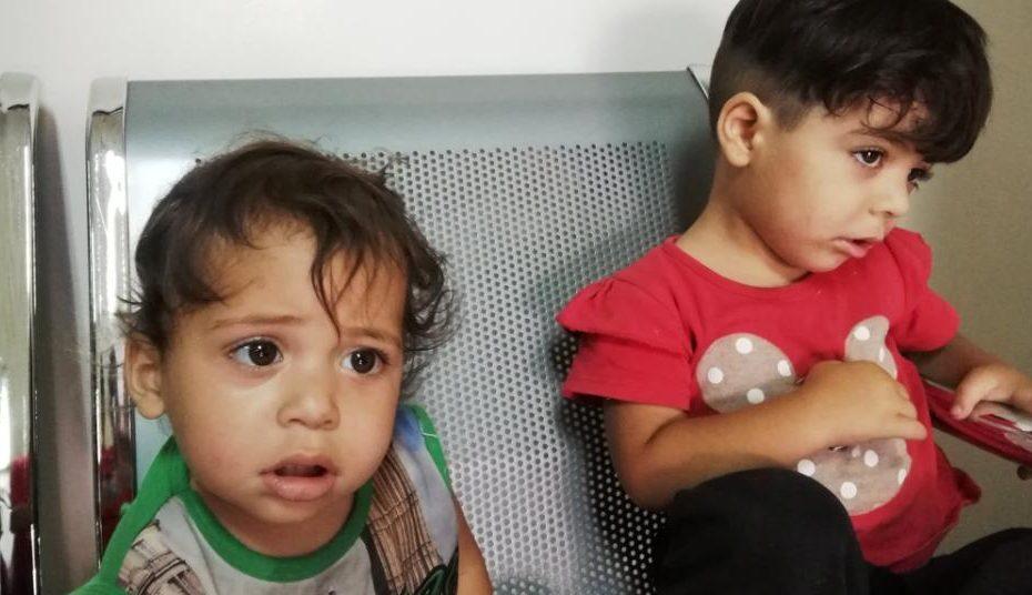 أب سوري يتخلى عن ابنتيه في دمشق ويترك لهما وللسوريين رسالة ويرحل!