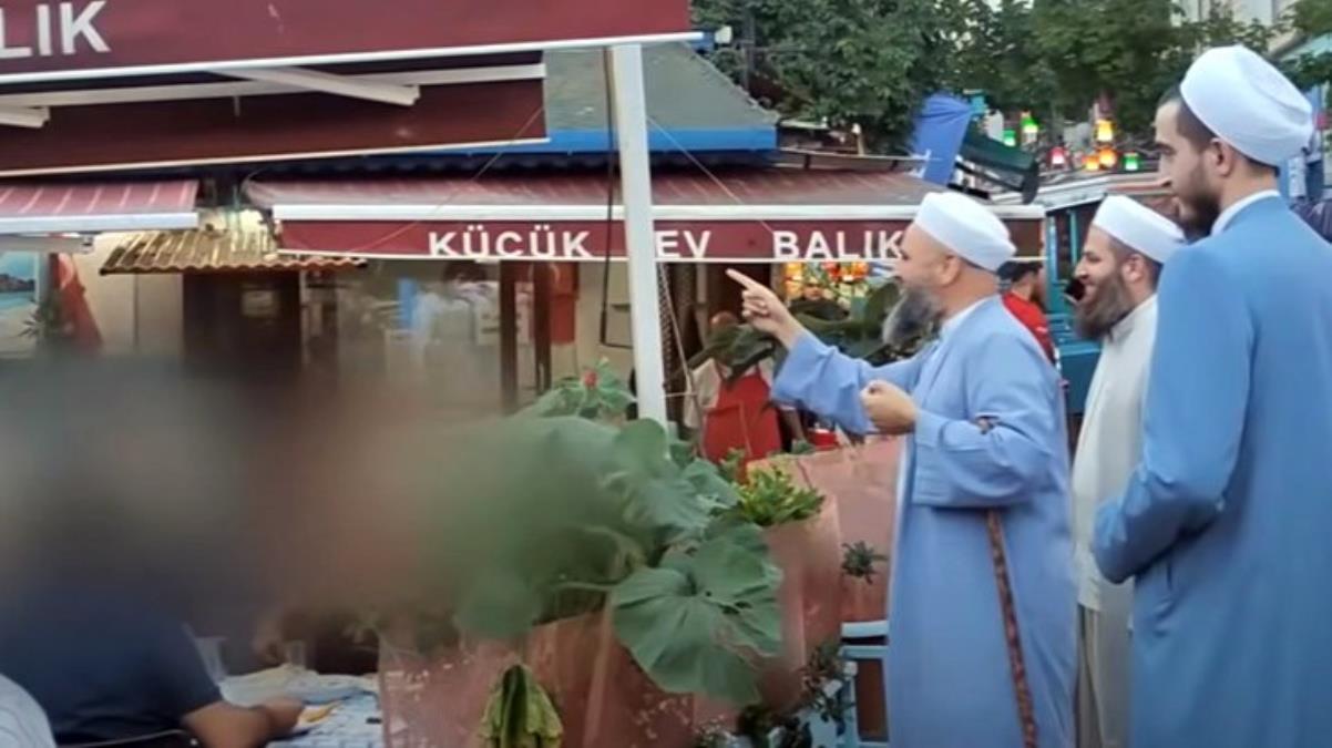 دعاة إسلاميون ومصلحون يجولون في أحياء إسطنبول ويدعون الناس إلى الرجوع إلى الله وترك المعاصي (فيديو)