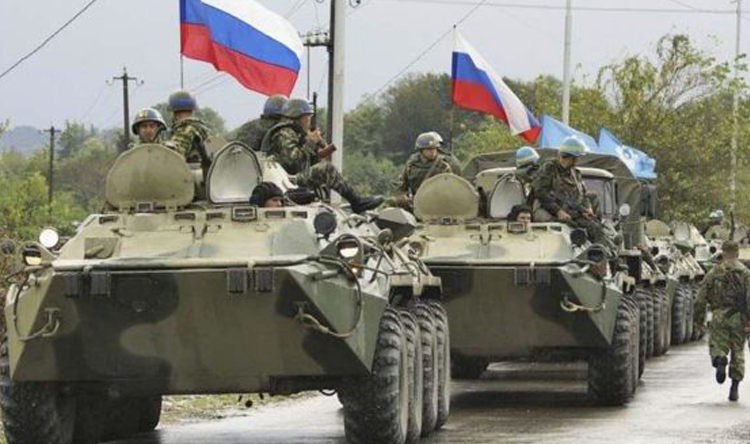 روسيا تقطع أحد طرقات نظام الأسد والمواطنون: ماطالع شي بالأيد