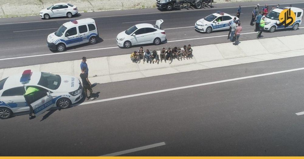 السلطات التركية تعثر على عشرة شباب سوريين في منتصف الطريق بإحدى الولايات