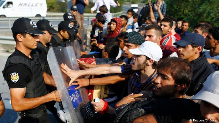 شباب سوريون يوجهون نداءً للحكومة التركية بعد ماحصل معهم مؤخراً