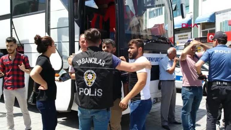 السلطات التركية تتخذ إجراءات غير مسبوقة ضد اللاجئين السوريين في عدة مناطق (فيديو)