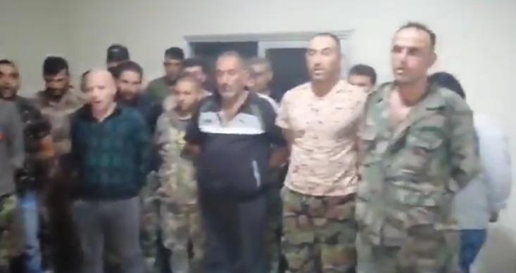 مجموعة عناصر وضباط من الجيش السوري يهتفون ضد النظام ويلعــ.نون روح حافظ الأسد! (فيديو)