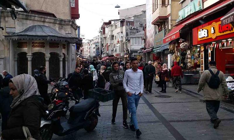 دائرة الهجرة التركية تبين موقفها مما يحصل للسوريين في البلاد مؤخرا وتتخذ قرارا قطــ.عيا حيال ذلك