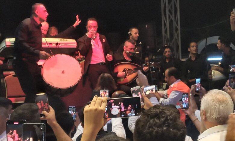 الأمر لم يتوقف والسلطات التركية تتحرك جديا بعد تحدي علي الديك للبلاد والسوريين وإقامته حفلا في هاتاي.. تطورات جديدة (فيديو)