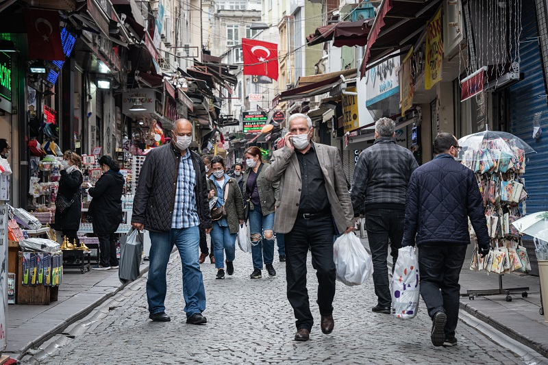 بلديات تركية تحث السوريين على العودة إلى وطنهم وتقدم لهم عروضاً جيدة