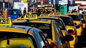 """شـ.ـرطة تركية تتنـ.ـكّر بزي سيّاح عرب وتخـ.ـالف سائقي """"تكاسي"""" محتـ.ـالين"""