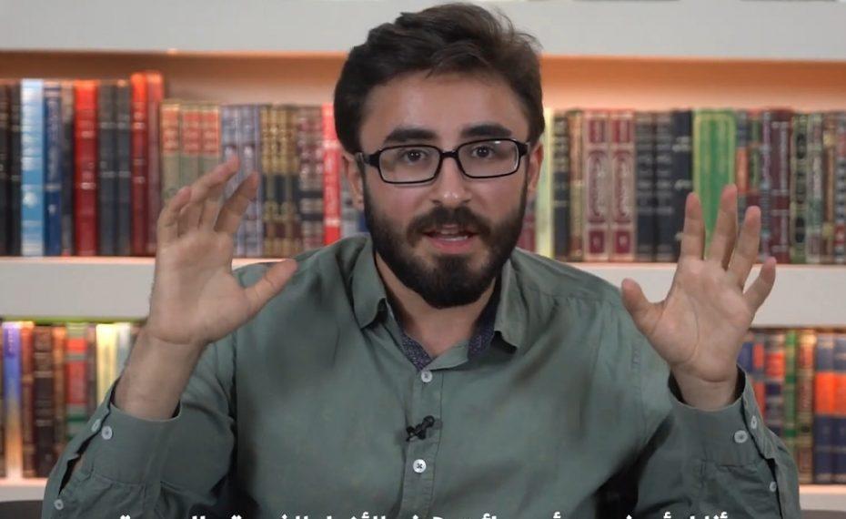"""شاب تركي يدافع عن السوريين ويفند عدد من الأكـ.ـاذيب الموجـ.ـهة ضـ.ـدهم.. """"أنتم لاتتخيلون مالذي سيحدث إن رحلوا"""" (فيديو)"""