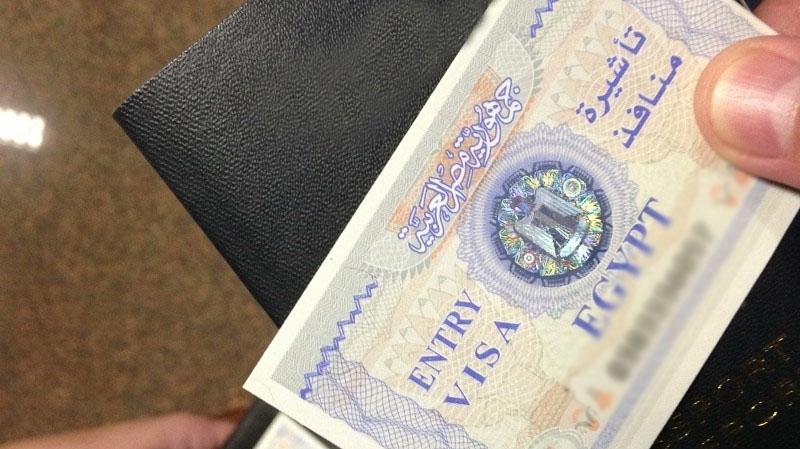 مصر تتخذ قراراً حول منح التأشيرة لدخول السوريين إلى البلاد بعد تعديل سعرها الأخير وسوريون يسارعون للحصول عليها