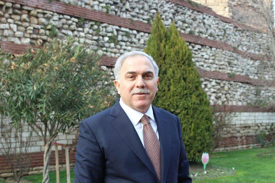 مسؤول في حزب العدالة والتنمية التركي يقف بوجه ترحـ.ـيل السوريين من منطقته ويقول هم ثروة للبلاد
