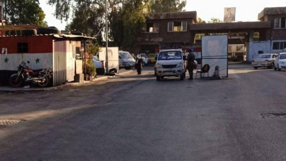 عنصـ.ـر أمن يبتـ.ـز الطالبات ب دمشق ويحـ.ـول منزلاً استولى عليه لوكـ.ـر دعـ.ـارة (صور)