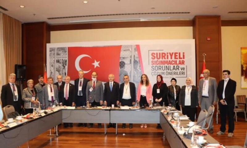 مصالحة بين المعـ.ـارضة التركية والسورية وتراجع عن نوايا الترحـ.ـيل بعد الجلسة الودية