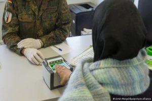 قبيل رحـ.ـيل ميركل سوريون ينفذون خطتهم الاخـ.ـيرة للوصول إلى ألمانيا قبل فوات الآوان!